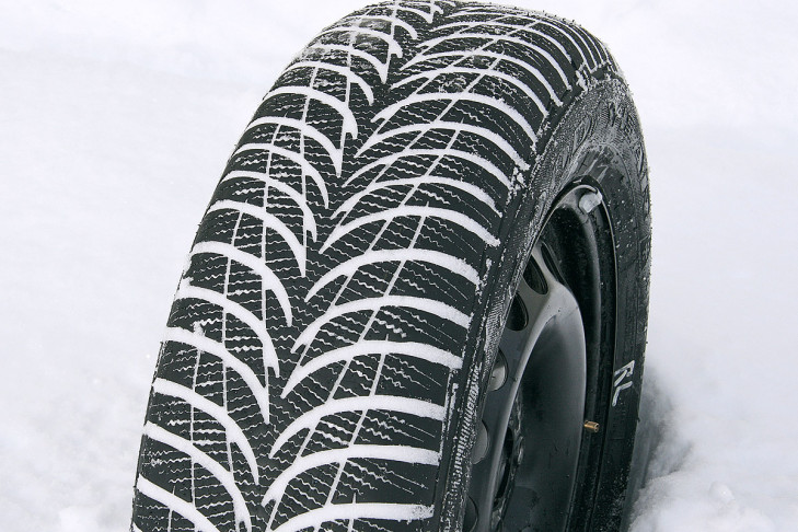 Goodyear-Ultra-Grip-7